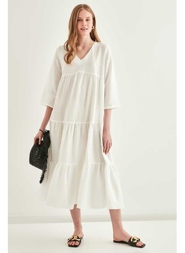 Vitrin V Yaka Gofreli Kumaş Cepli Uzun Elbise Beyaz